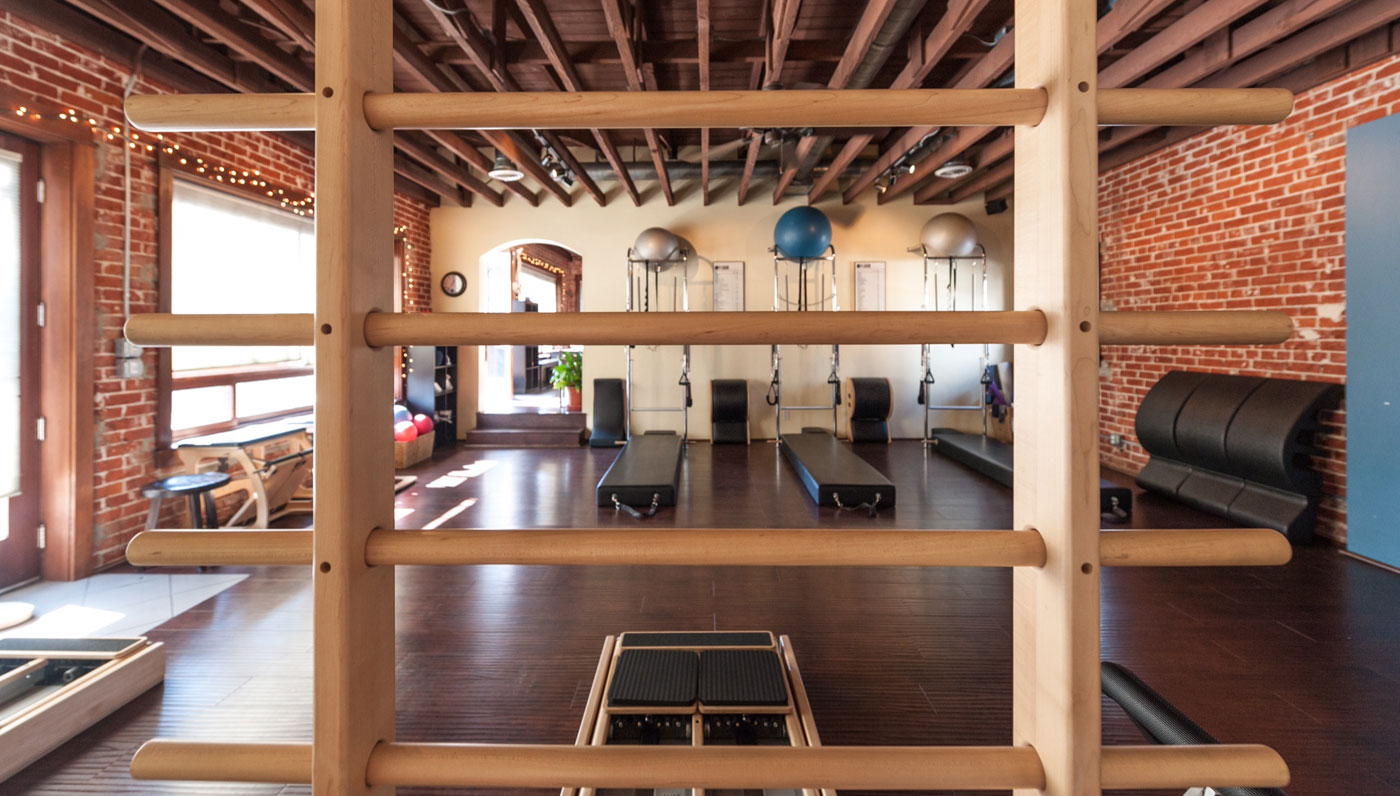 Studio Pilates Wall Tower